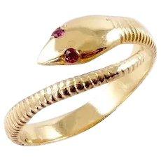 Modern Snake Ring in 18 Karat Gold
