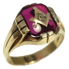 10k Masonic Ring Created Ruby Stone Handsome Gold Setting 1940s Baden & Foss