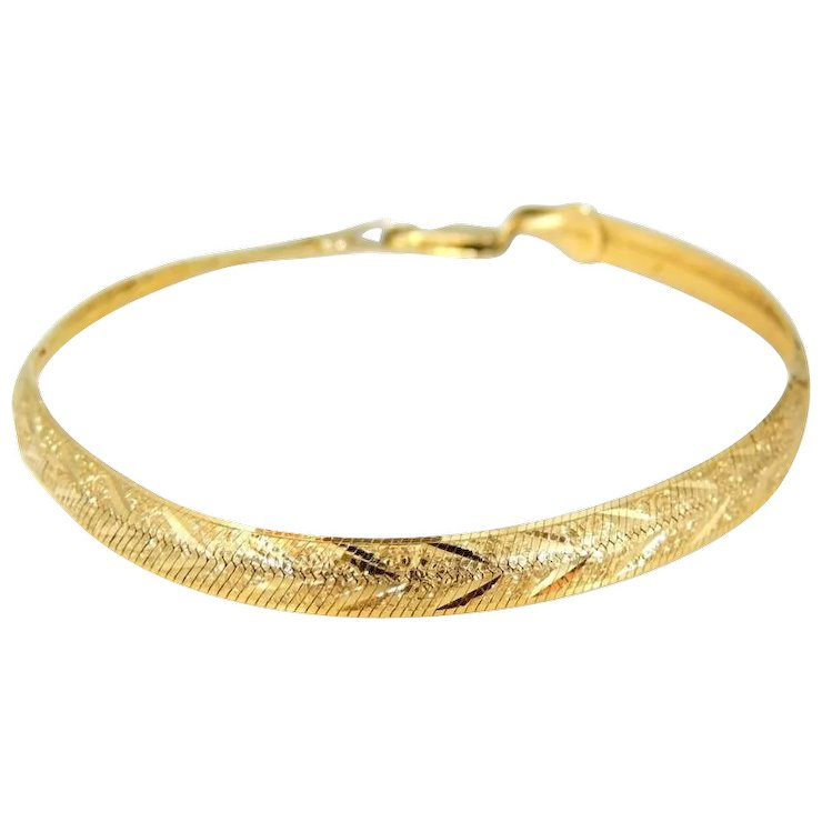 14k Gold Etched Herringbone Bracelet Flexible Soft Bangle Italy