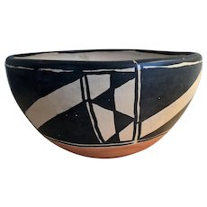 c.1910 Santo Domingo Native American Indian Pottery Bowl / chili Bowl