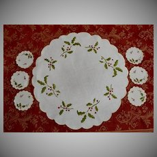 c.1920 Christmas Holly Berry Embroidered Doily Set