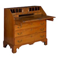 American Chippendale Maple Antique Slant-Front Writing Desk, Massachusetts circa 1780