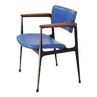 1960s Dan Johnson for Shelby Williams Cast Aluminum Swivel-Back Arm Chair