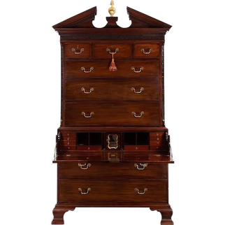 George III Mahogany Chest-on-Chest of Drawers, England circa 1760