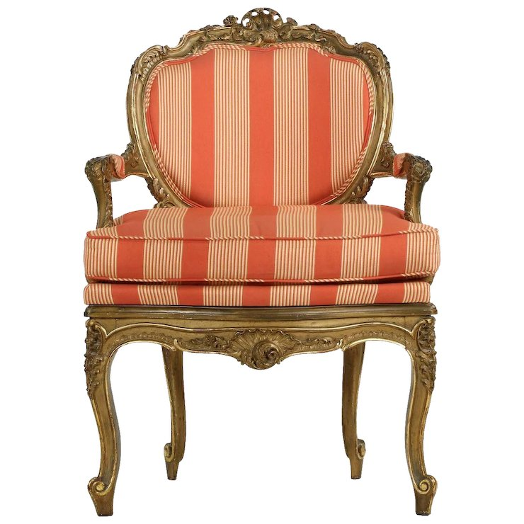Charmant French Antique Carved Arm Chair In Louis XV Style
