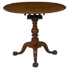 American Queen Anne Walnut Tea Table, likely Chester County, Pennsylvania c. 1770