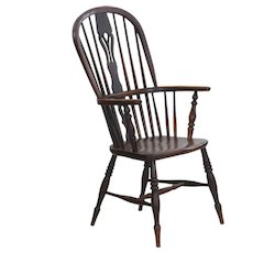 English Windsor Elm and Yew Antique Arm Chair circa 1830-50