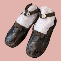 Early Brown Leather Shoes for bigger Dolls