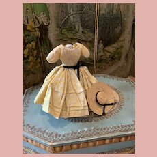Sweet little Old Dress for Dolls with Hat
