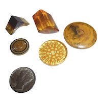 Beautiful Assortment of 5 Bakelite Apple Juice Buttons Chunky Triangle Cookie Carved