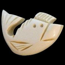 Chunky Casein or Bakelite Realistic Figural Fish Button