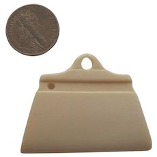 Adorable Cream Bakelite Era Casein Purse Handbag Pocketbook Charm