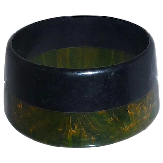Unusual Tapered Cone Shape Bakelite Catalin 2 Color Laminated Bangle Bracelet Extra Wide