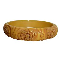Vintage 1940's Bakelite Heavily Deeply Carved Floral Butterscotch Cream Bangle Bracelet