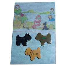 3 Diff Colors Adorable BAKELITE Buttons Scotty Scottie Dog Realistic Figural On Card