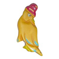 Vintage Carved BAKELITE Parrot Bird With A Hat Pin Brooch Martha Sleeper
