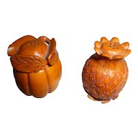 RARE Pair! Vintage BAKELITE Pineapple & Gourd Salt & Pepper Shakers