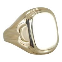 Vintage Signet Ring with Polished Retro Flair