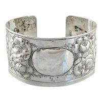 Gorgeous Floral Bracelet with Monogram Ready Center, Stunning Workmanship