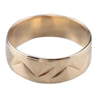 18K Chevron Patterned Cigar Band Ring