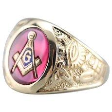 Vintage Men's Ruby Glass Masonic Ring