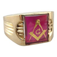 Vintage Red Ruby Glass Masonic Signet Ring