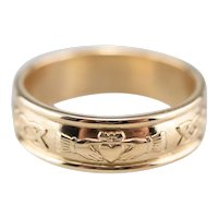 Unisex Celtic Style Claddagh Pattern Band