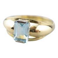 Vintage Blue Topaz Gold Ring