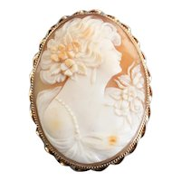 Large Retro Era Cameo Brooch or Pendant