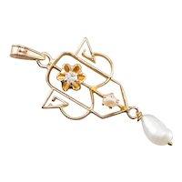 Buttercup Diamond Lavalier Pendant
