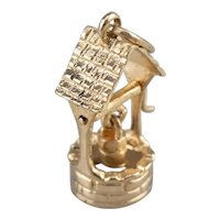 Vintage Wishing Well Moving Charm