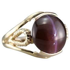 Striking Spectrolite Cat's Eye Cocktail Ring