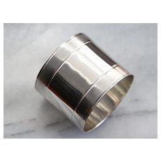 Sleek 925 Sterling Silver Napkin Ring