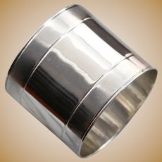 Sleek 925 Sterling Silver Napkin Ring