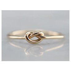 Sweet Lover's Knot Ring