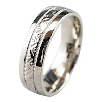 Patterned White 14 Karat Gold Unisex Band