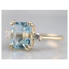 Beautiful Aquamarine and Diamond Ring