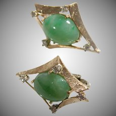 14 K Yellow Gold Oval Jadeite Earrings, Vintage 1940/1950.