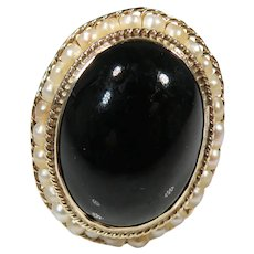 14K Yellow Gold Antique Victorian Onyx And Natural Seed Pear Mourning Ring.