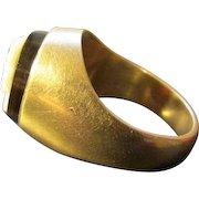 Eighteen Karat Gold and Onyx Cameo Ring