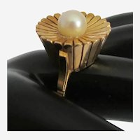 Mid-Century Pearl 14k Yellow Gold Flower Motif Ring