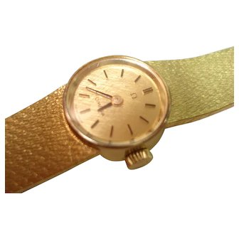 18Kt Gold Omega Ladies Wristwatch 18Kt Gold Attached Mesh Band  Professionally Serviced