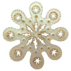 Intricate Mother Of Pearl Snowflake Silk Winder c1840
