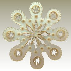 Intricate Mother Of Pearl Snowflake Silk Winder c1840