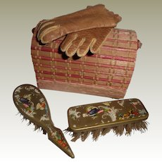 Dolls Vanity Bag & Contents c1900