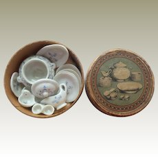 Boxed Onion Pattern Miniature China For Doll House c1900