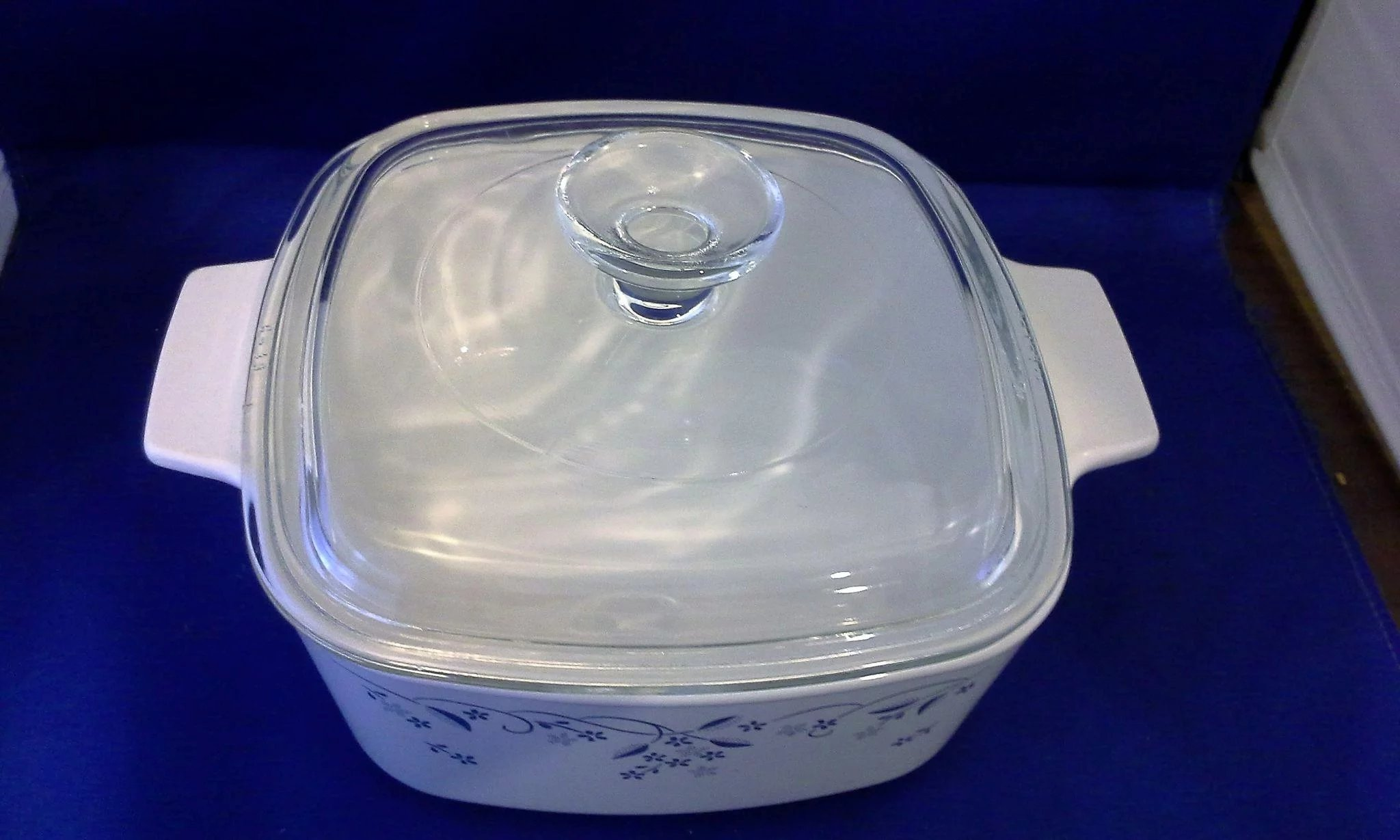 Corning Provincial Blue Flower On White 15l Casserole With Lid