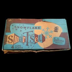 Indiana Glass Snowflake Snack Set 8 Pieces Original Box