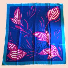 Vera 1980s Vibrant Fuchsia Pink Blue Teal Floral Scarf 28 IN