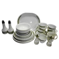 Corelle Spring Blossom Dinnerware Service for 6 With Extras Cruets Shakers Platter